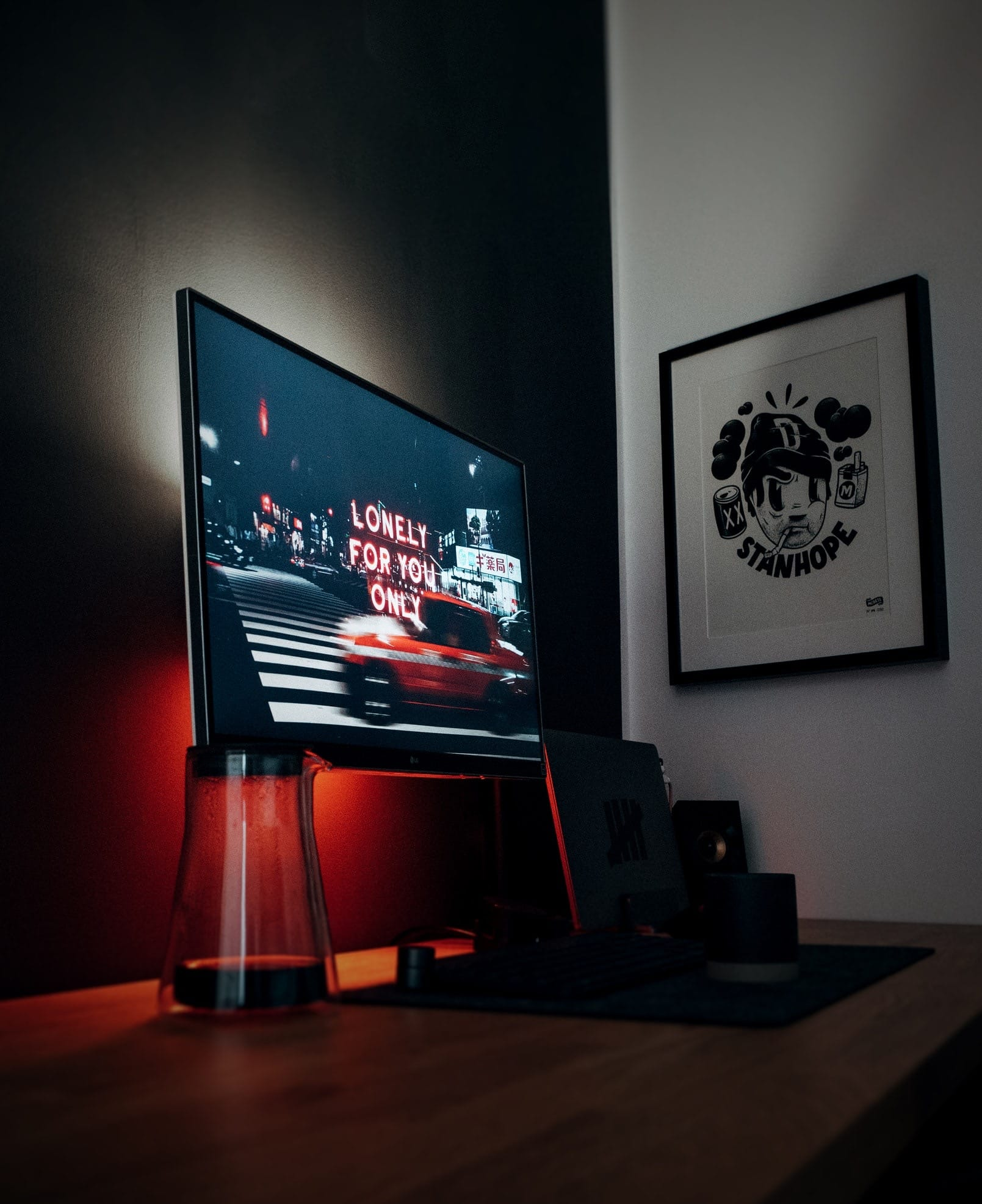 Tv with low red light set-up