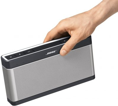 Bose SoundLink 3 carried by a right hand