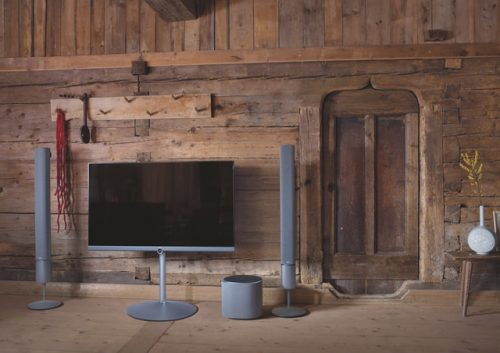 flat sceen TV with home theater system